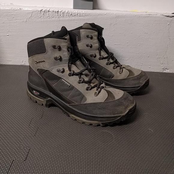 b64fa121f3b Lowa Gore Tex Backpacking boots